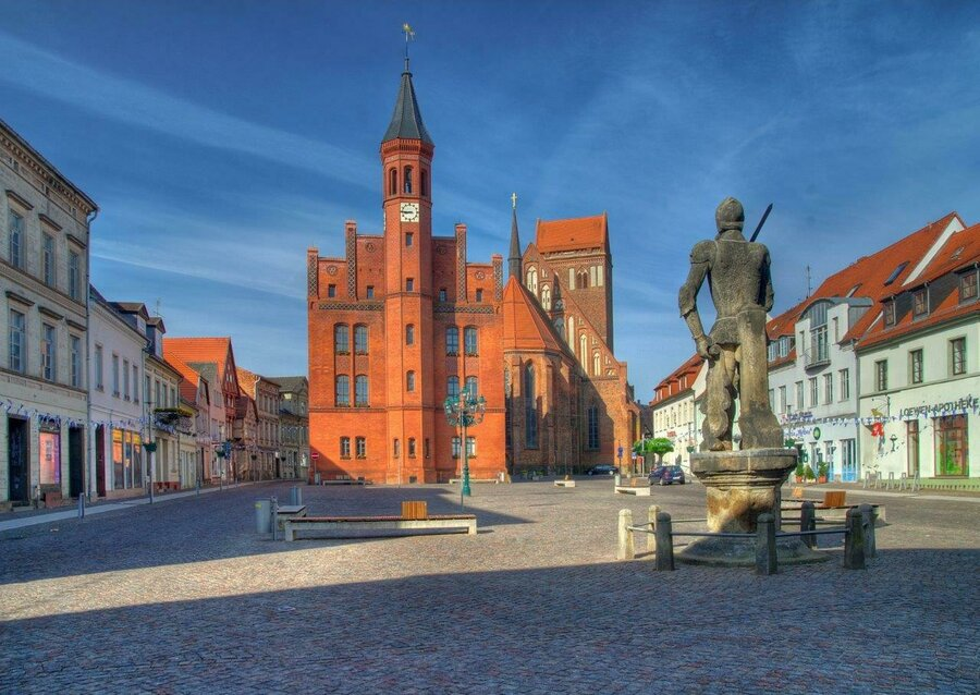 Marktplatz Perleberg mit Blick auf Roland/Rathaus/Kirche | Foto: Dieter Zaplo