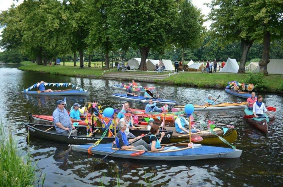 Bootskorso am Samstag über die Stepenitz zur 775 Jahrfeier | Foto: Stadt Perleberg, 2014