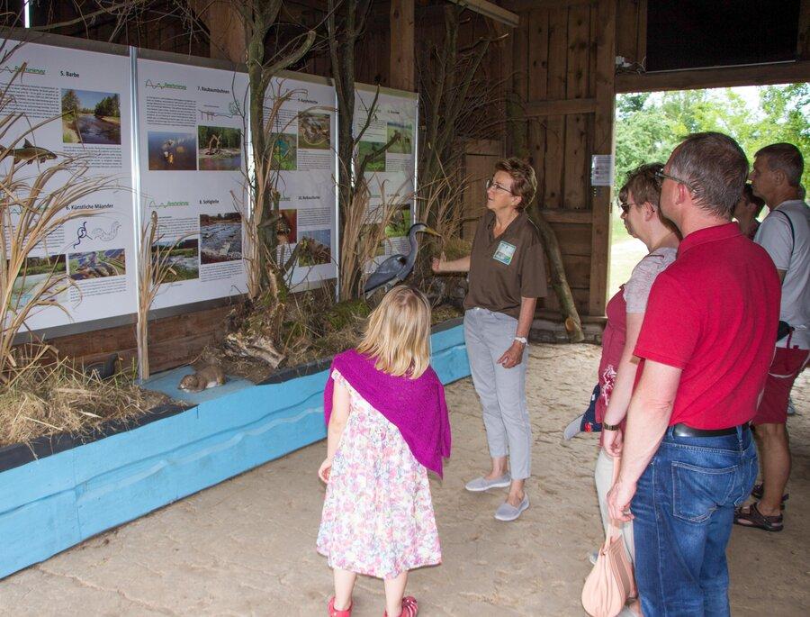 Informationen zur Ausstellung in der Scheune