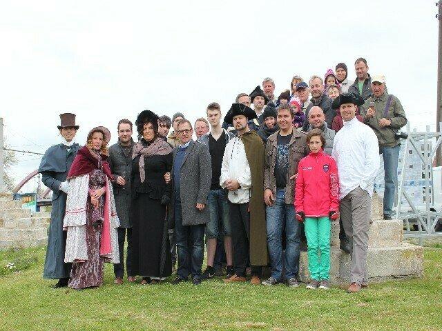 Gruppenfoto mit den Helfern, welche vom Anfang an diese Projekte unterstützt haben