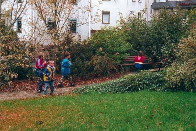 Spürnasen erkunden ihr Dorf