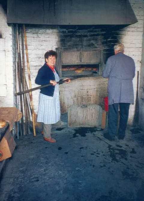 Brotbacken in Frischborn