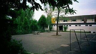 Der Schulhof war leider der falsche Ort für den Basketballkorb, da sich Anwohner von den Geräuschen gestört fühlten ...