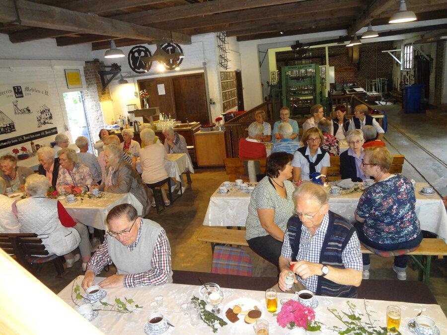 Seniorenwandergruppe beim Sommerfest