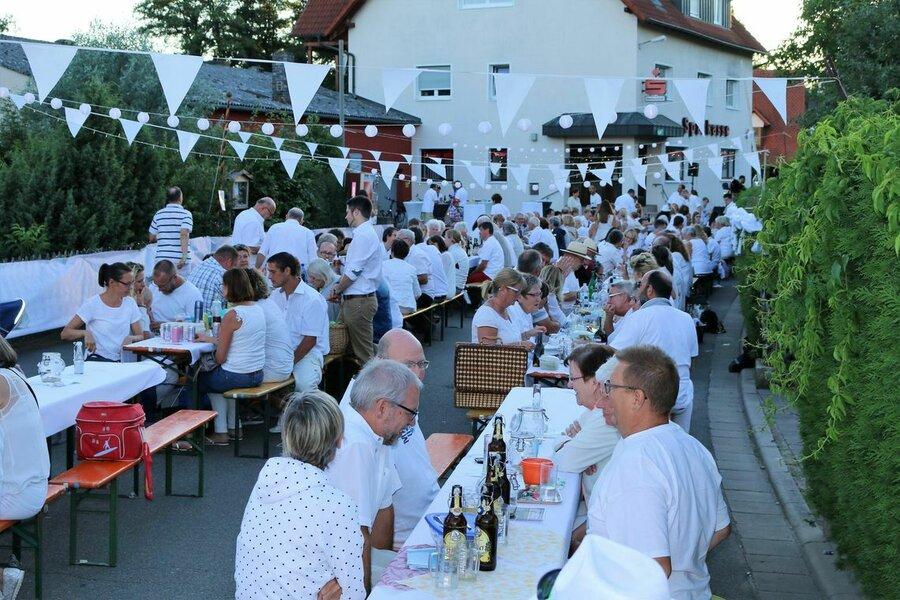 Die Sommernacht in Weiß fand am 30. Juni 2018 statt.
