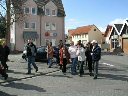 Dorfbegehung in der Ortsmitte