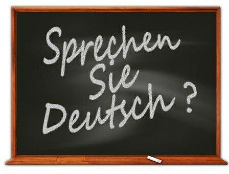 """Bild zeigt eine Tafel mit der Aufschrift """"Sprechen Sie Deutsch?; Quelle: Pixabay"""