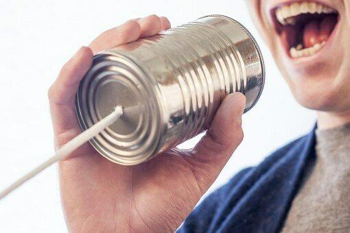 Bild zeigt ein Dosentelefon; Quelle: Pixabay