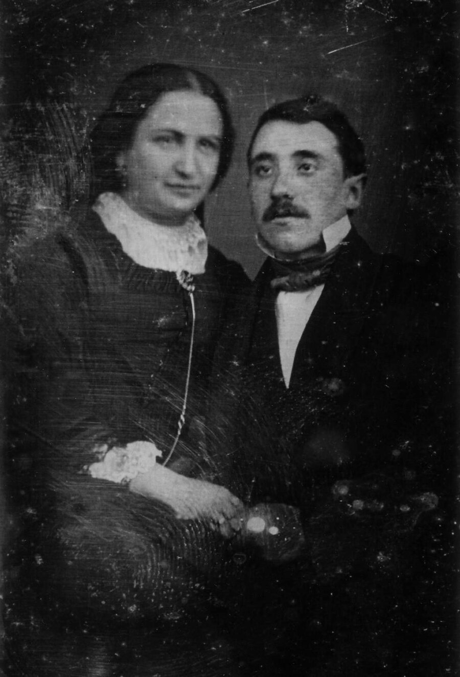 Johanna & Firmengründer Wolf Sultan, ©International Piano Archives, University of Maryland/USA.  Mit freundlicher Genehmigung von Moritz von Bredow.  Quelle: Moritz von Bredow: Rebellische Pianistin. Das Leben der Grete Sultan zwischen Berlin und New