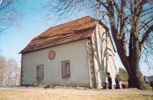 Die Friedhofskapelle ist sanierungsbedürftig; evtl. können hier weitere kulturelle Veranstaltungen durchgeführt werden