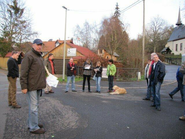 Ortsbegehung Niederlibbach: Diskussion über die Strassengestaltung und den Dorfplatz
