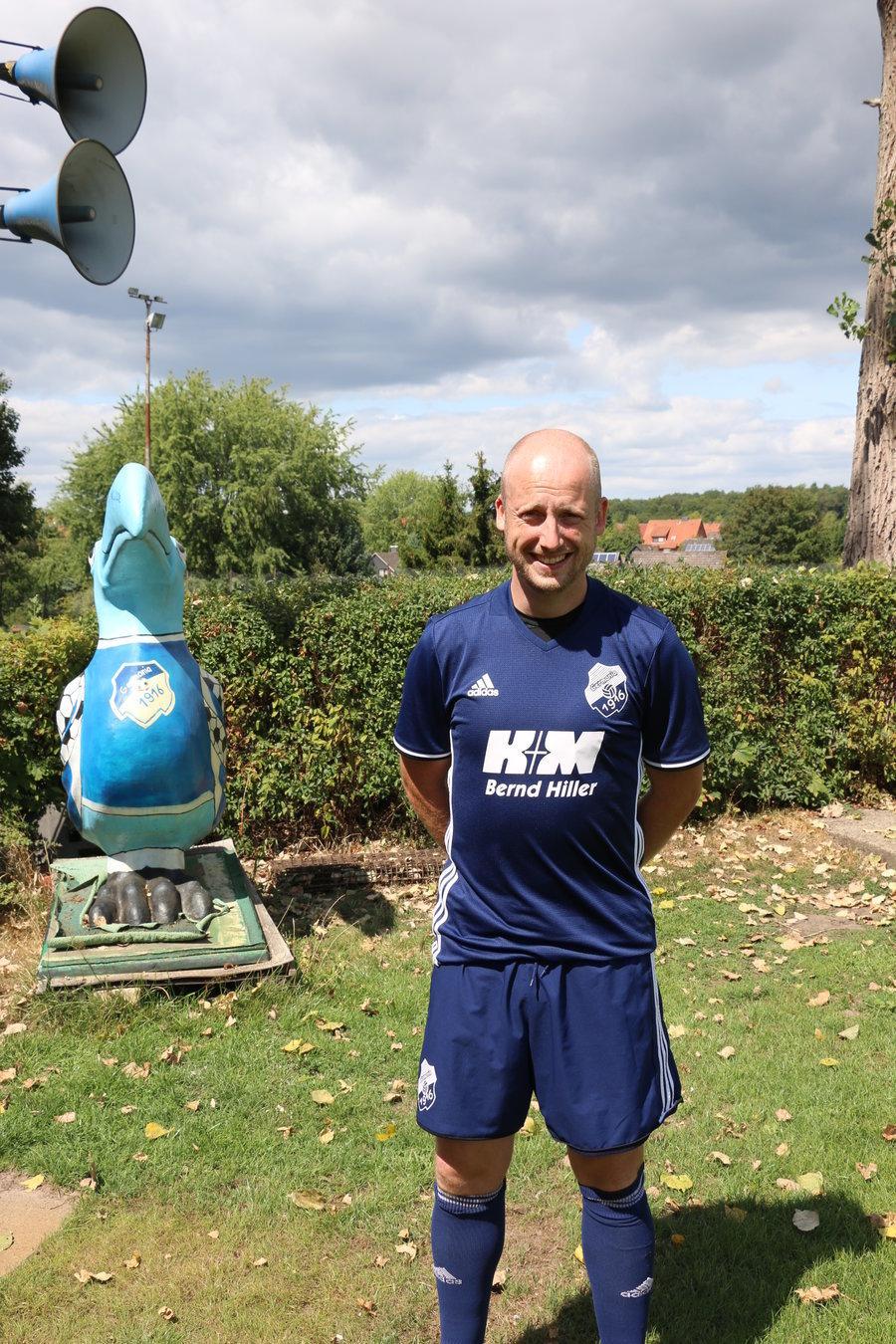- Nico Stradtmann -  Abwehr / Co-Trainer