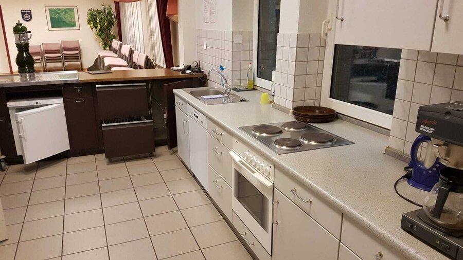 Küche mit allen notwendigen Einrichtungen