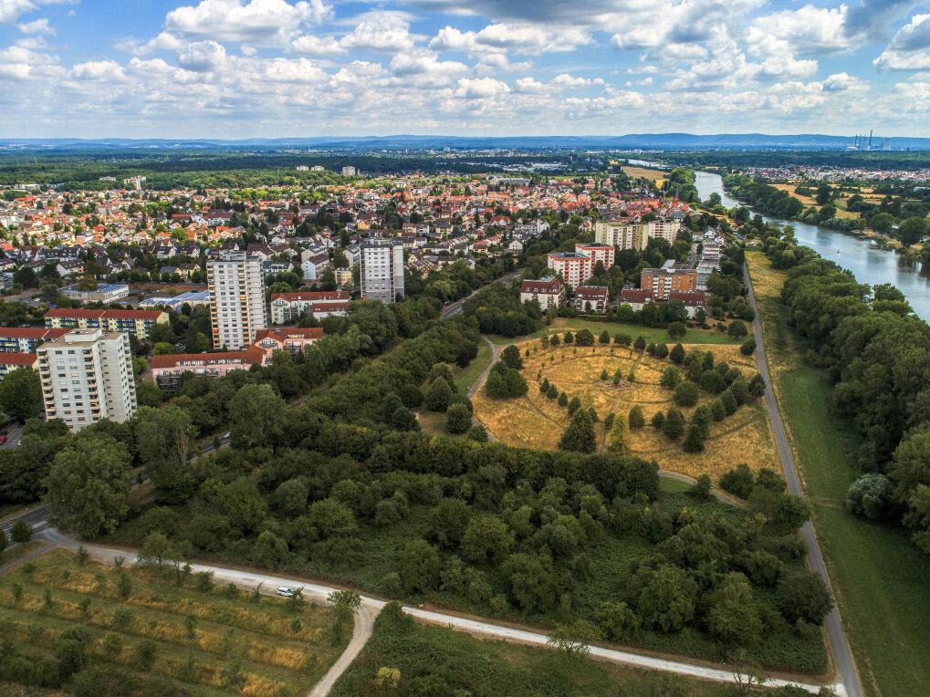 Das Bild zeigt ein Luftbild des Mainufers Dörnigheim, Foto: Merget