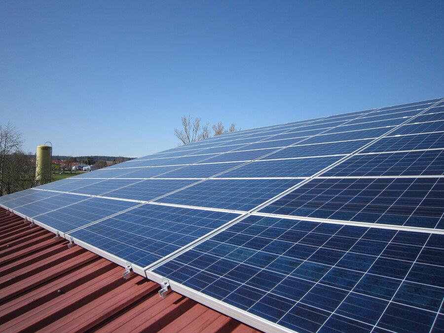 PV-Anlage auf dem Dach des Gemeindebauhofs