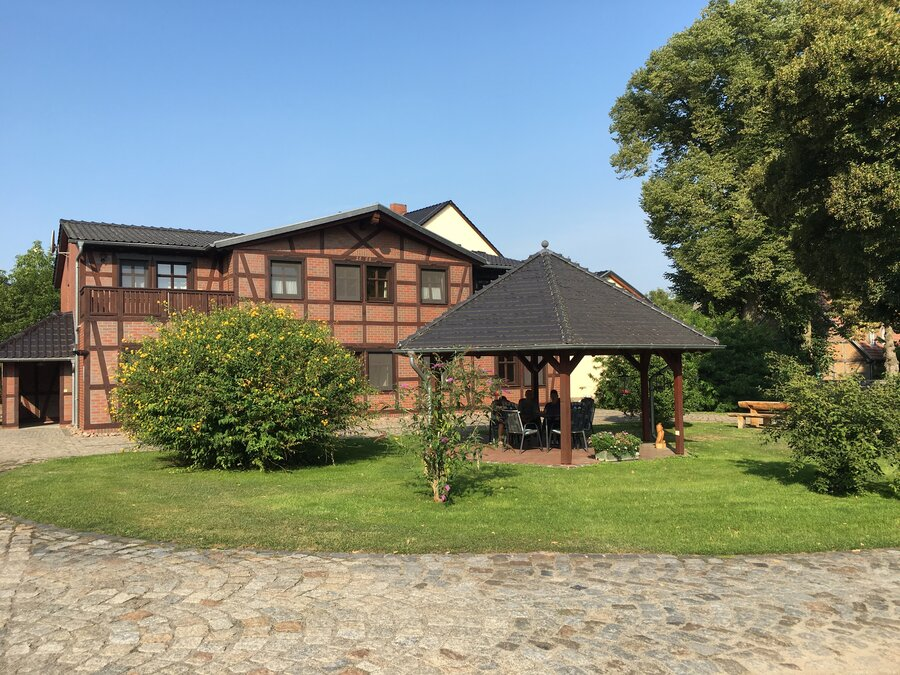 Fachwerkhaus mit Pavillon