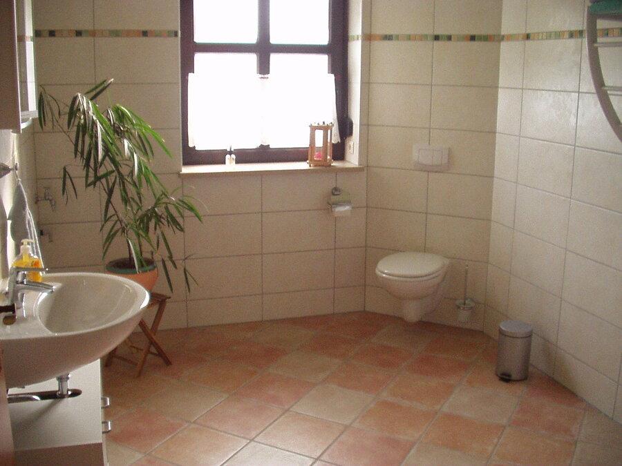 Großes Badezimmer im Fachwerkhaus