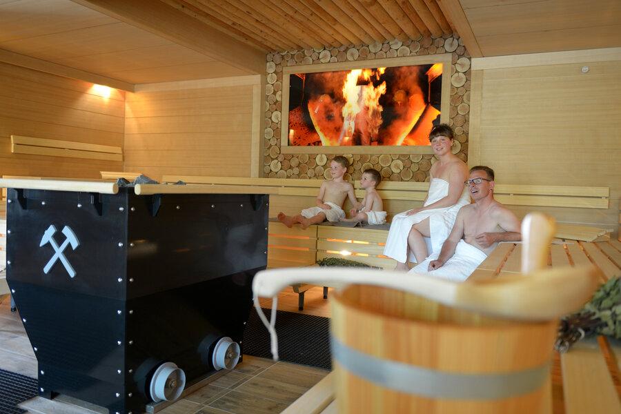 Bergmann-Sauna mit Familie