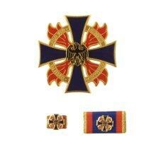 Deutsches Feuerwehr-Ehrenkreuz in Gold, Silber und Bronze