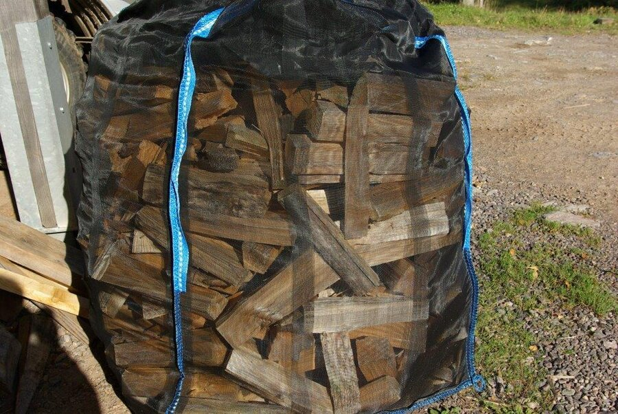 Holzverkauf im Sack