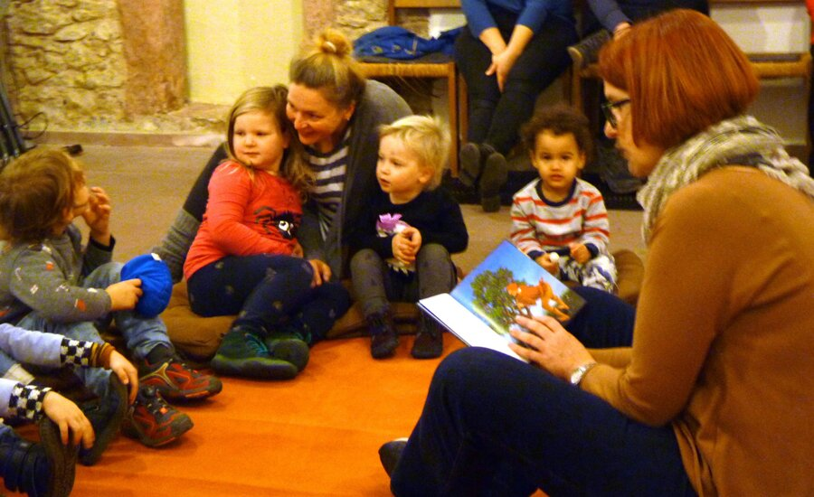 Bild zeigt Vorlesetag 2019 in in der Evangelischen Kirche Maintal Bischofsheim