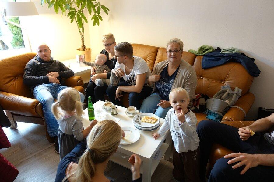 Alle Generationen treffen sich am Sonntag im Café der Begegnungsstätte…