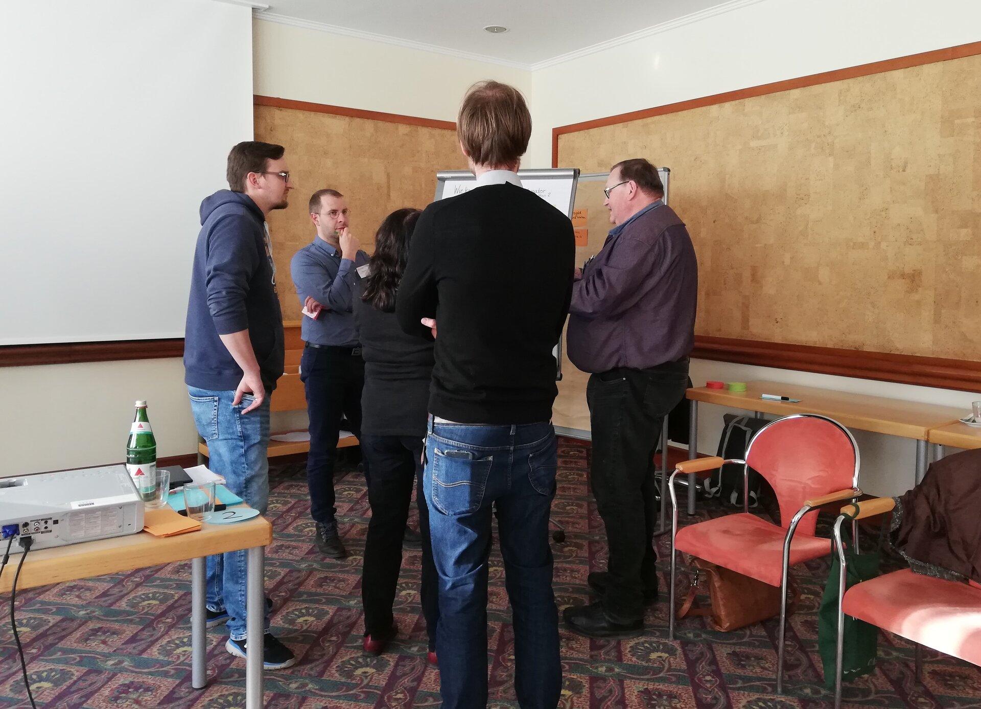 Diskussion während des Seminars