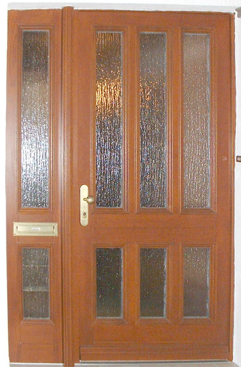 Klassik-Haustür K500 mit festem Seitenteil