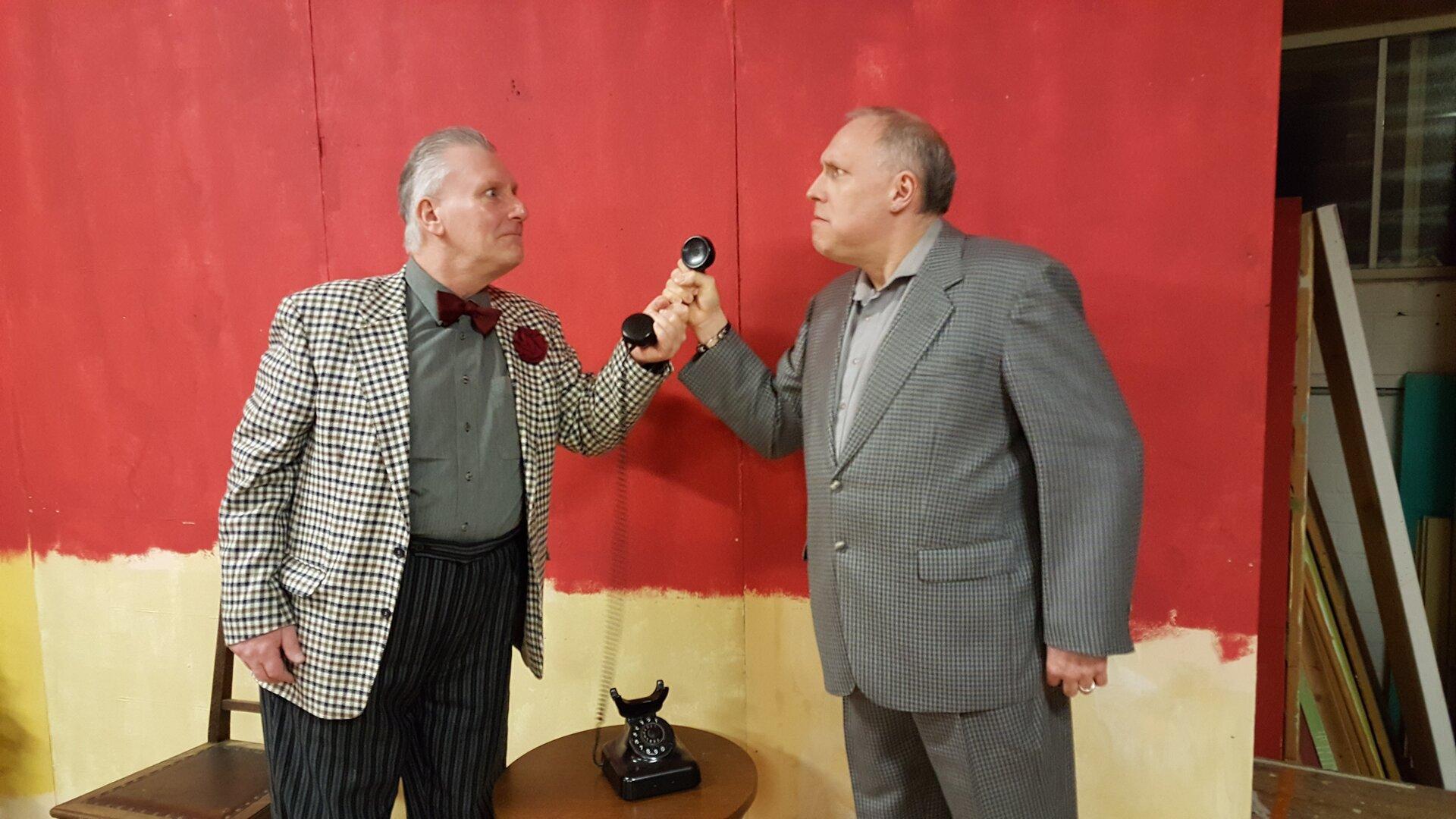 Anrufen ja oder nein? Szene mit Andree Uphoff (links) und Hero Kruse.