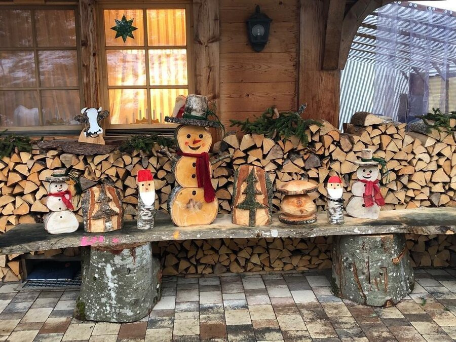Winterdekoration aus Holz