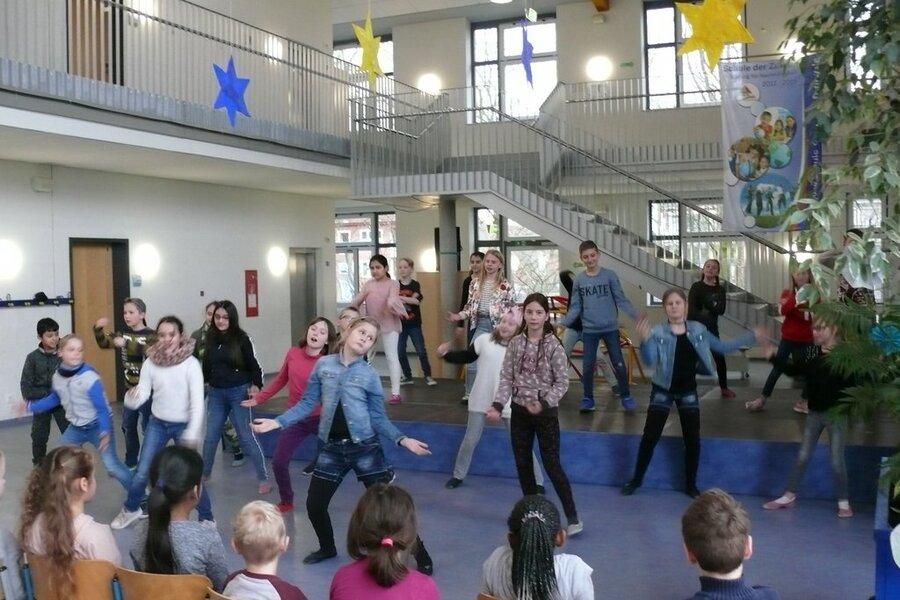 Tanz Klasse 4