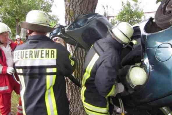 Unfall am Baum