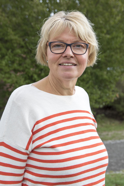 Frau Monika Stueve