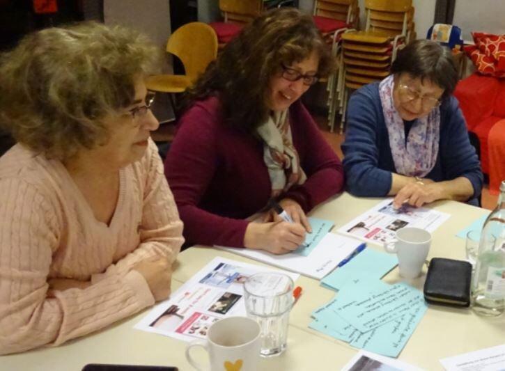 Bild zeigt Teilnehmer des Workshops