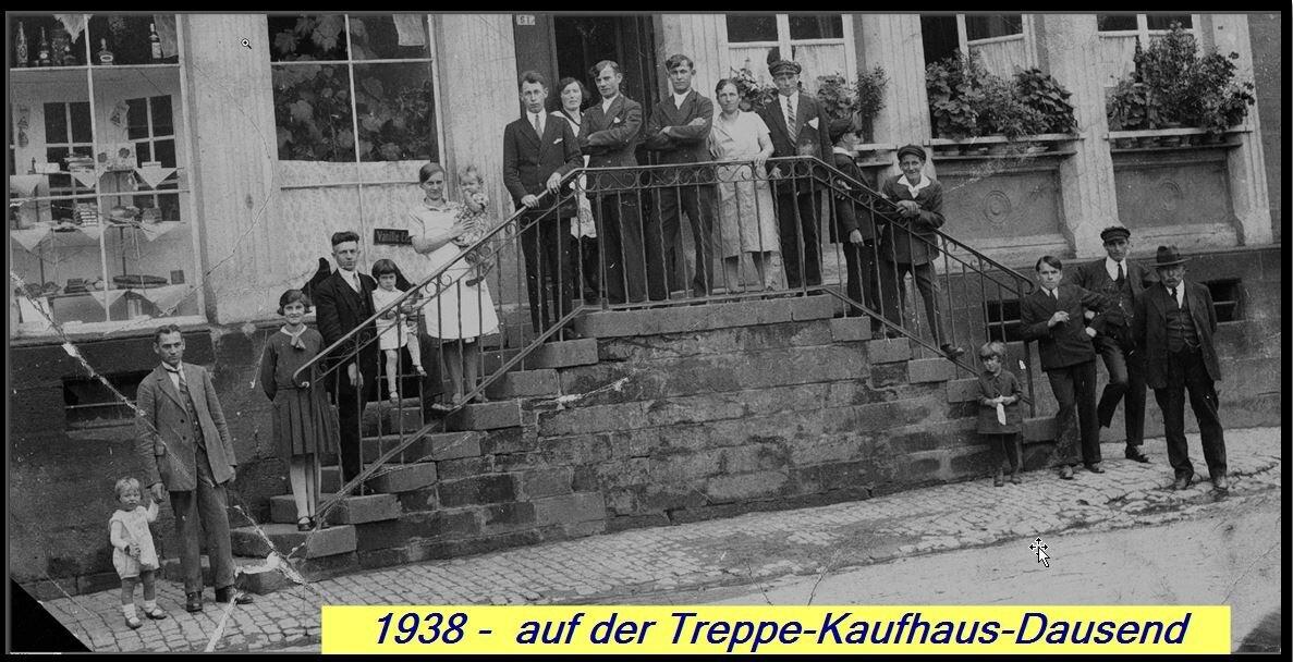 Treppe vor Kaufhaus-Dausend