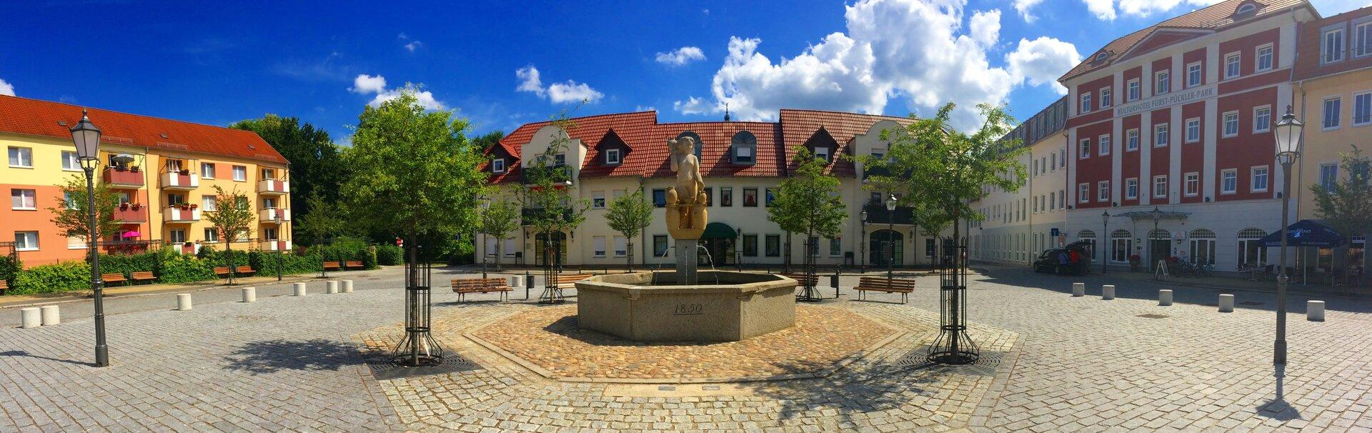 Bad_Muskau_Touristik_GmbH_Marktplatz