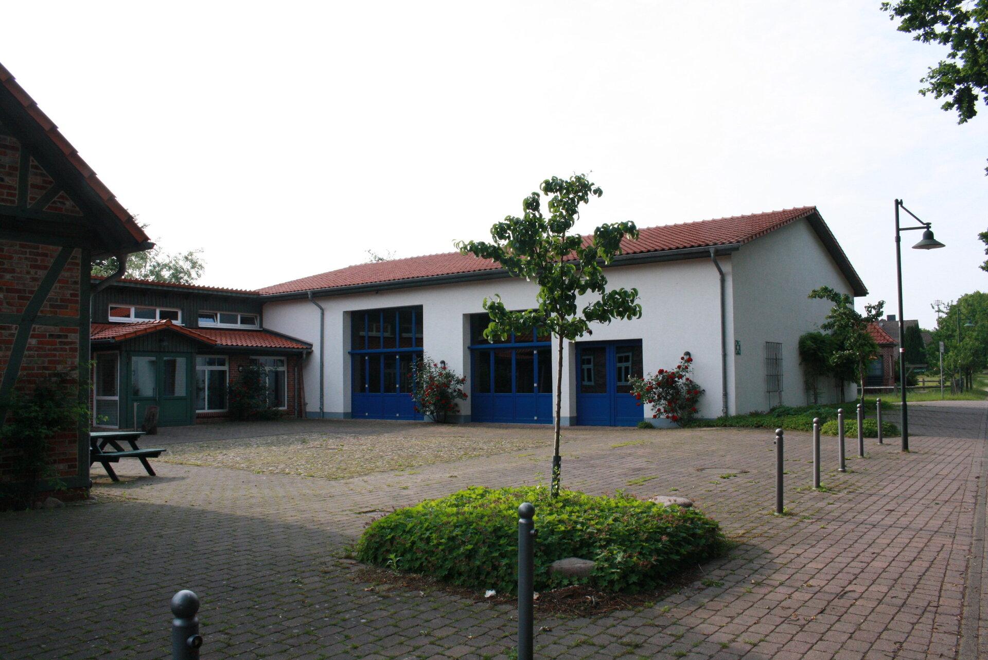 Kleinsporthalle_am_Dorfgemeinschaftshaus1