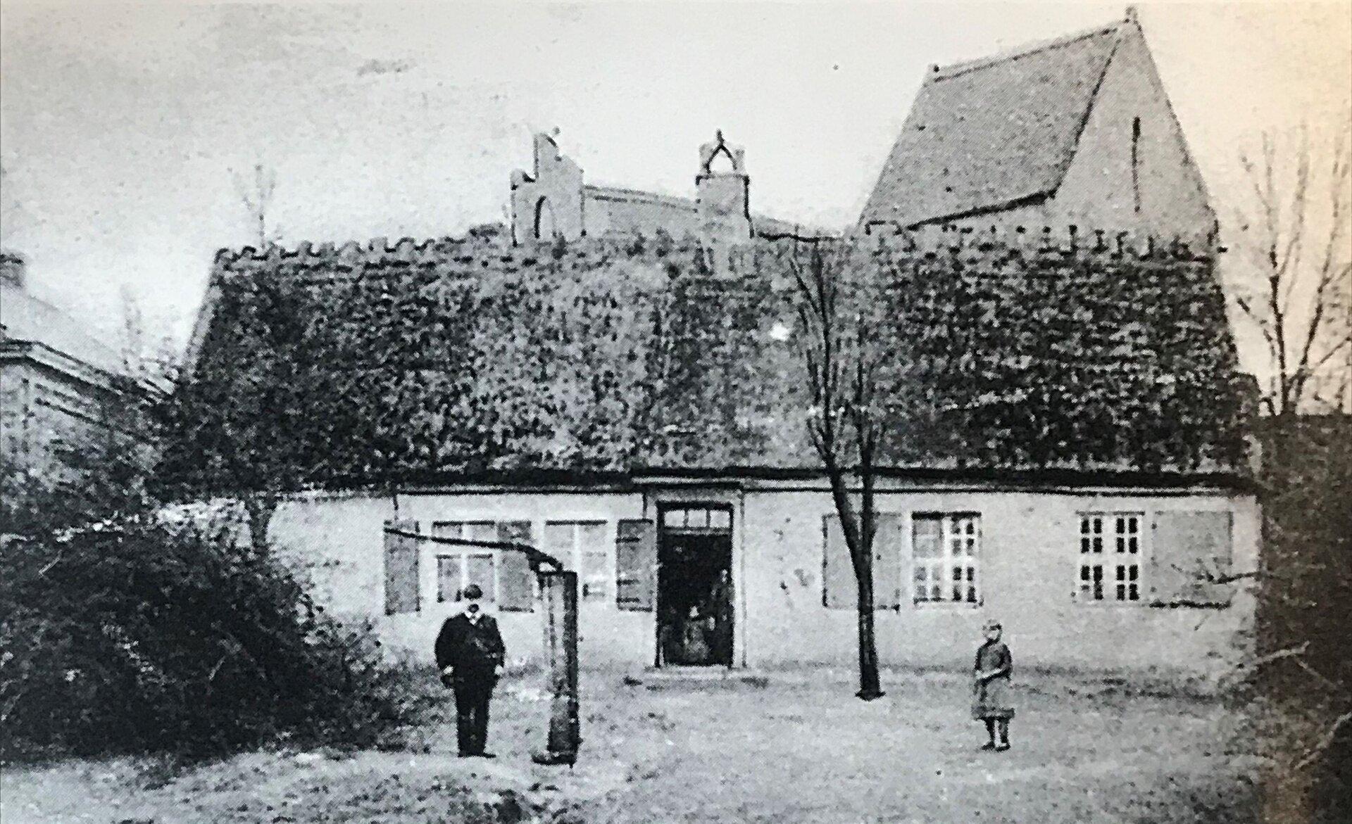 Unser Bild zeigt die Alte Dorfschule in Seegefeld (Quelle Museum und Galerie Falkensee).