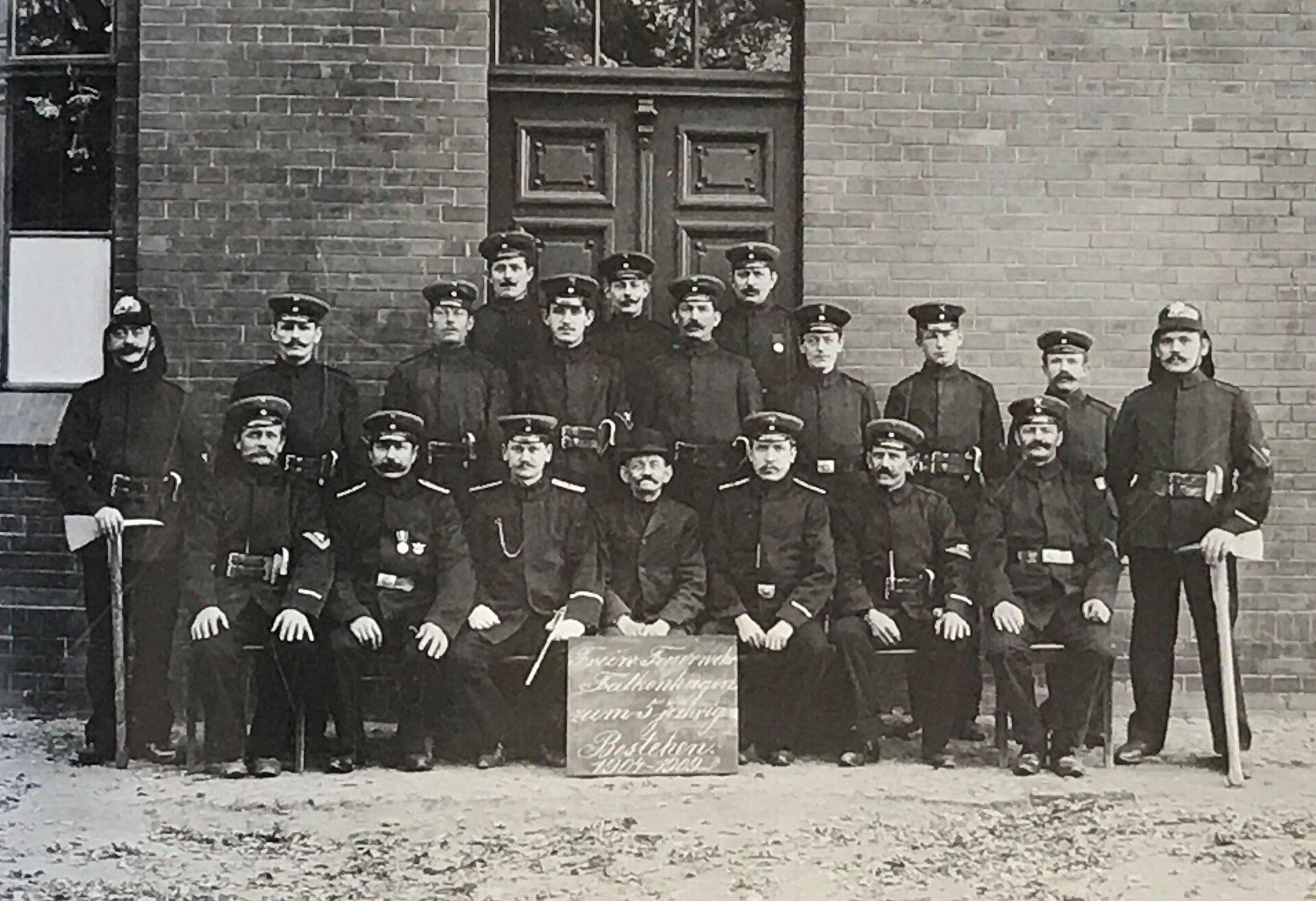 Unser Bild zeigt die Freiwillige Feuerwehr Falkenhagen (Quelle: Museum und Galerie Falkensee).