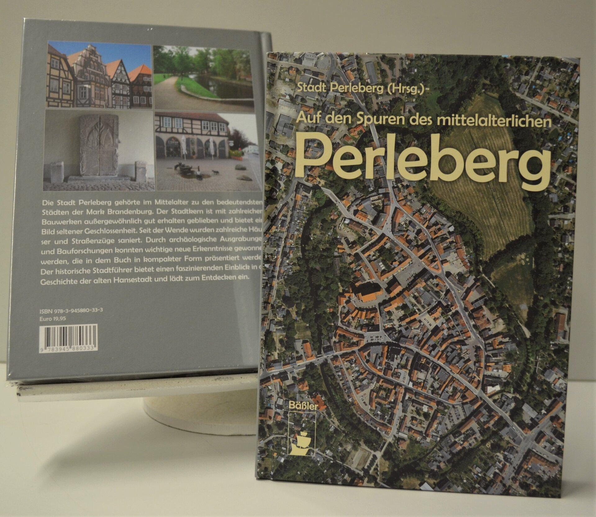 """Buch """"Auf denSpuren des mittelalterlichen Perleberg"""""""