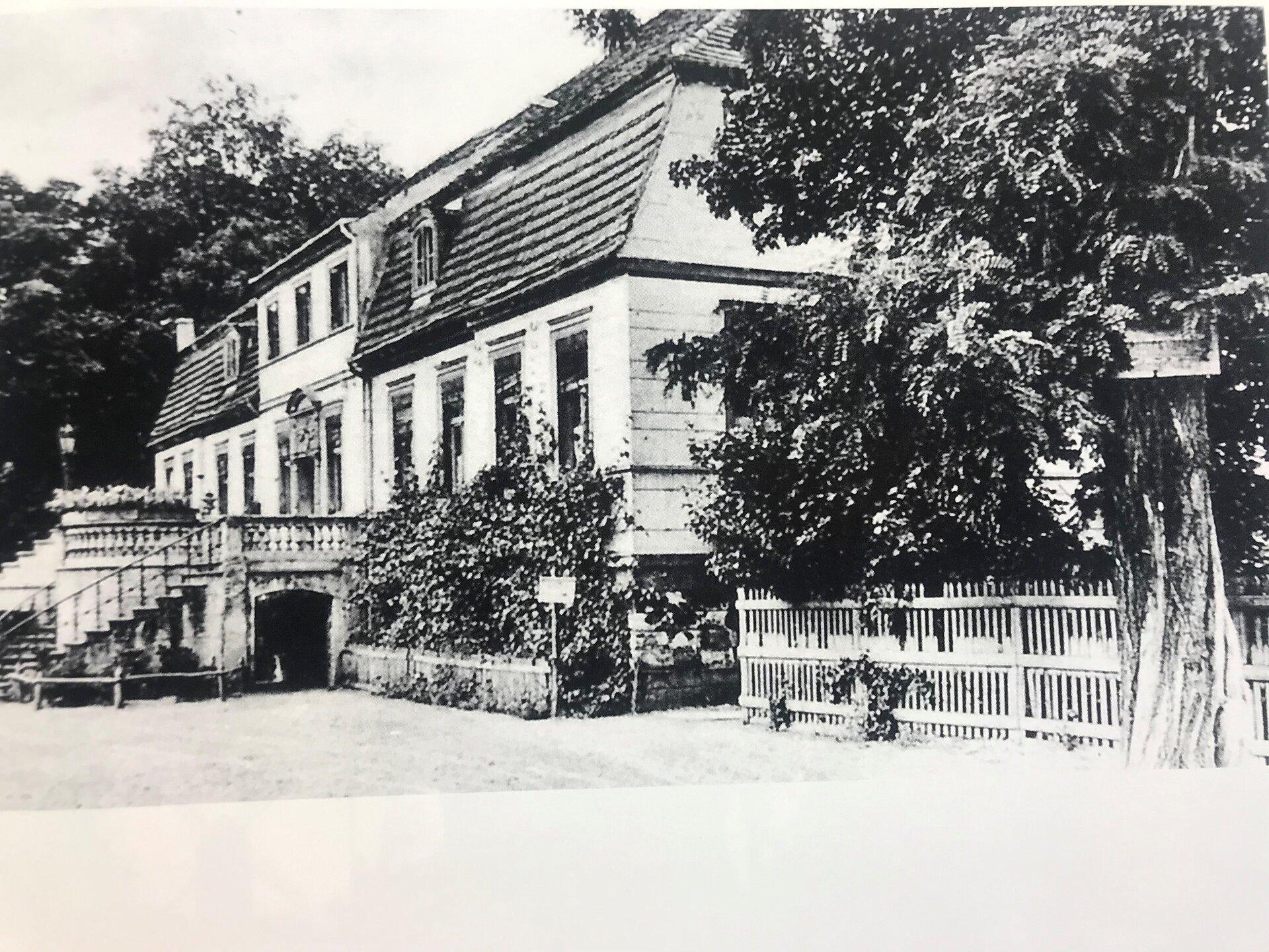 Unser Bild zeigt das Gutshaus des Rittergutes Seegefeld (Quelle: Museum und Galerie Falkensee).
