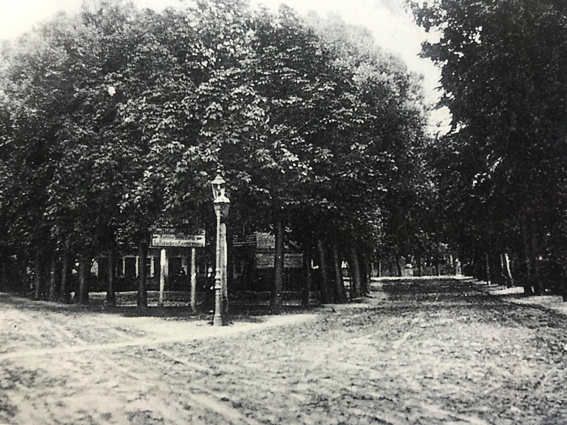 Unser Bild zeigt die Falkenhagener Straße/Ecke Wilhelmstraße, die heutige Freimuthstraße (Quelle: Museum und Galerie Falkensee).