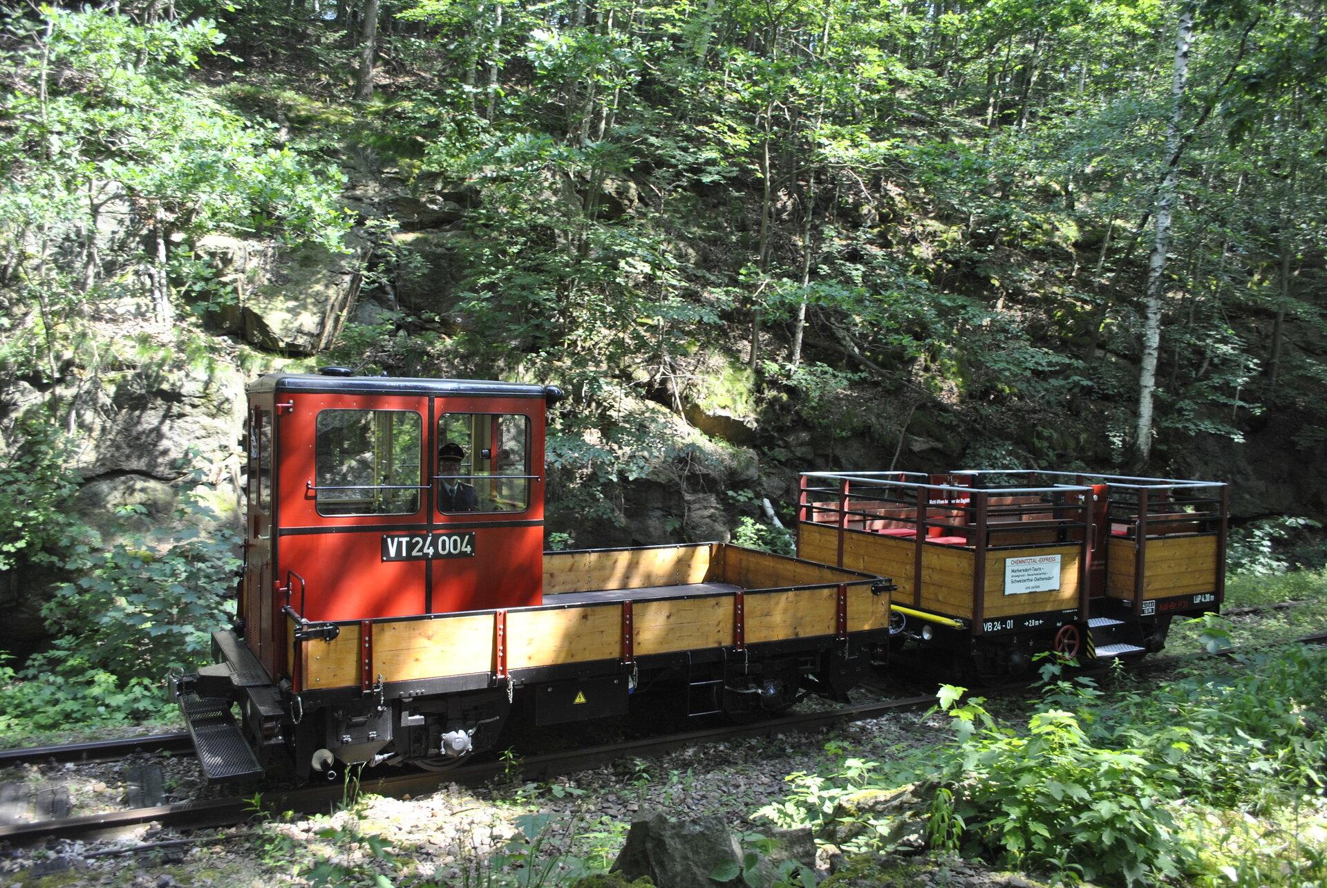 Eisenbahn fahrend