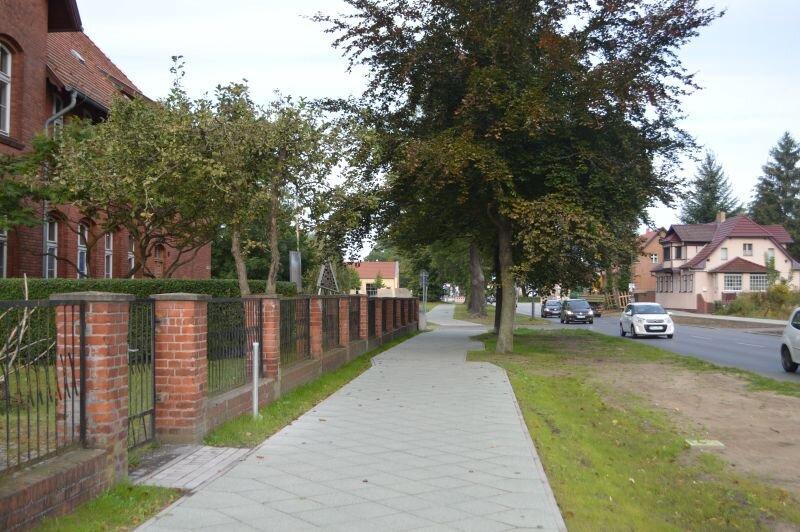Geh- und Radweg in der Falkenhagener Straße