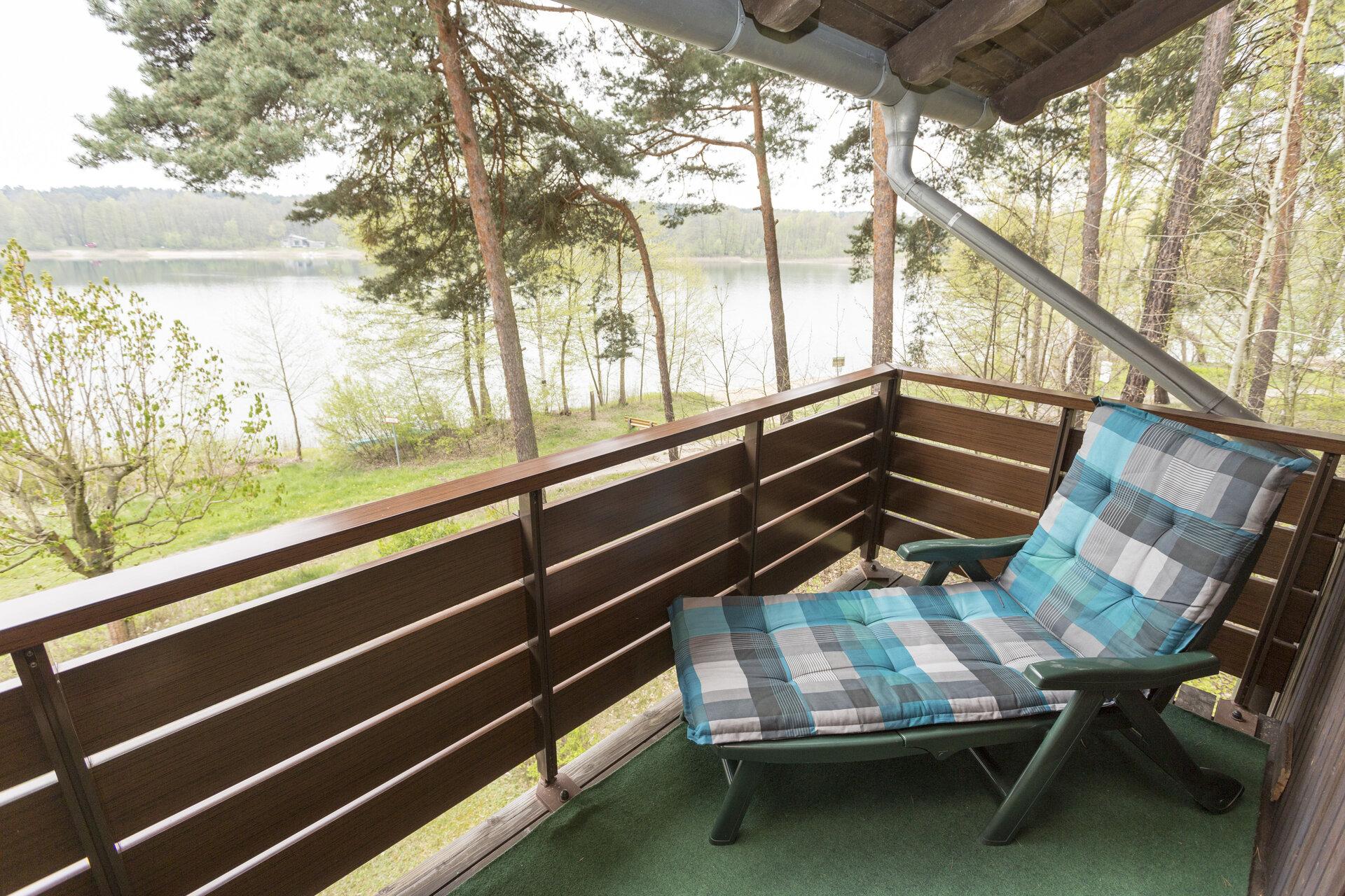 16_RomantikZi_Ausblick_v_Balkon