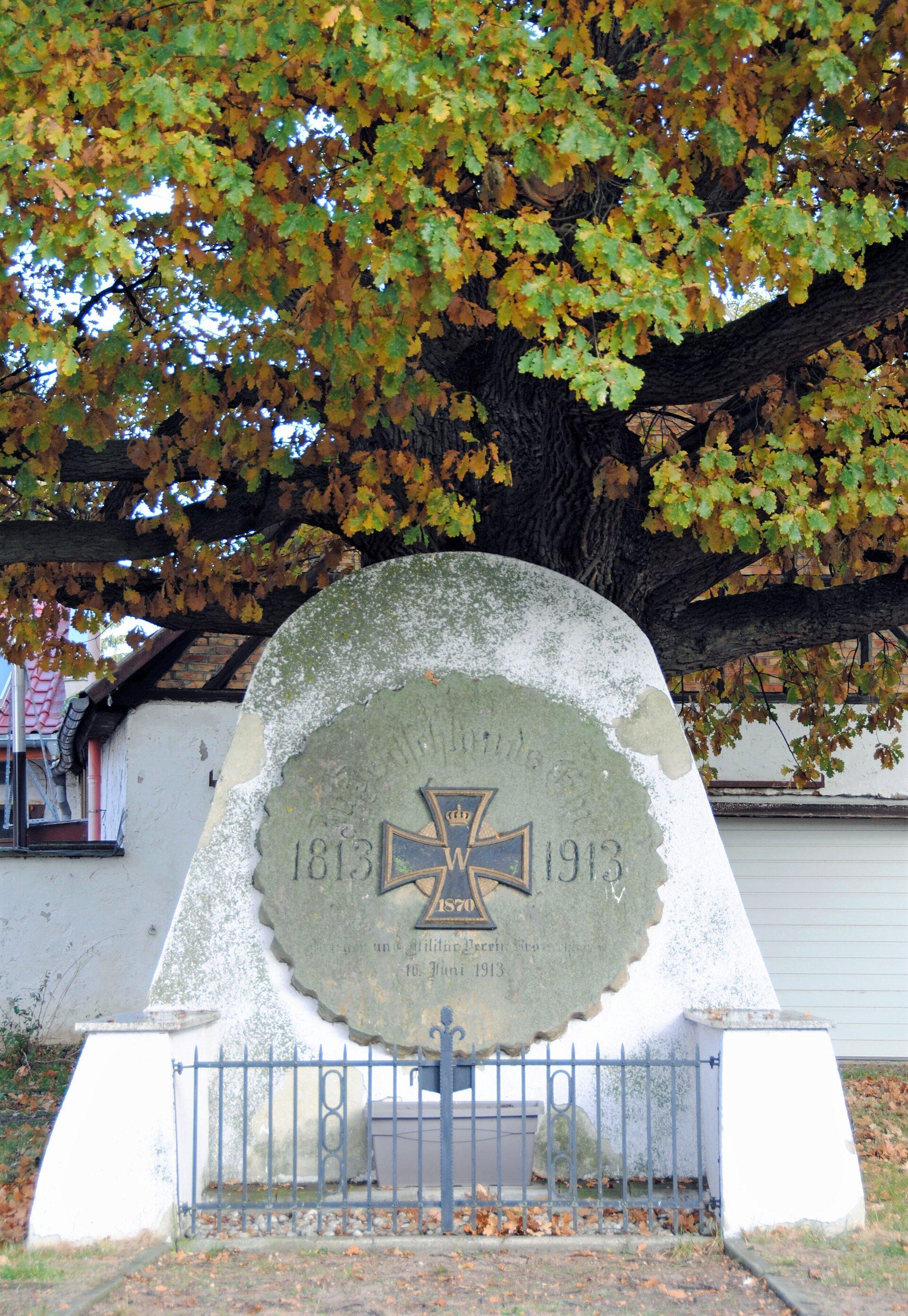 Kranichborn Denkmal