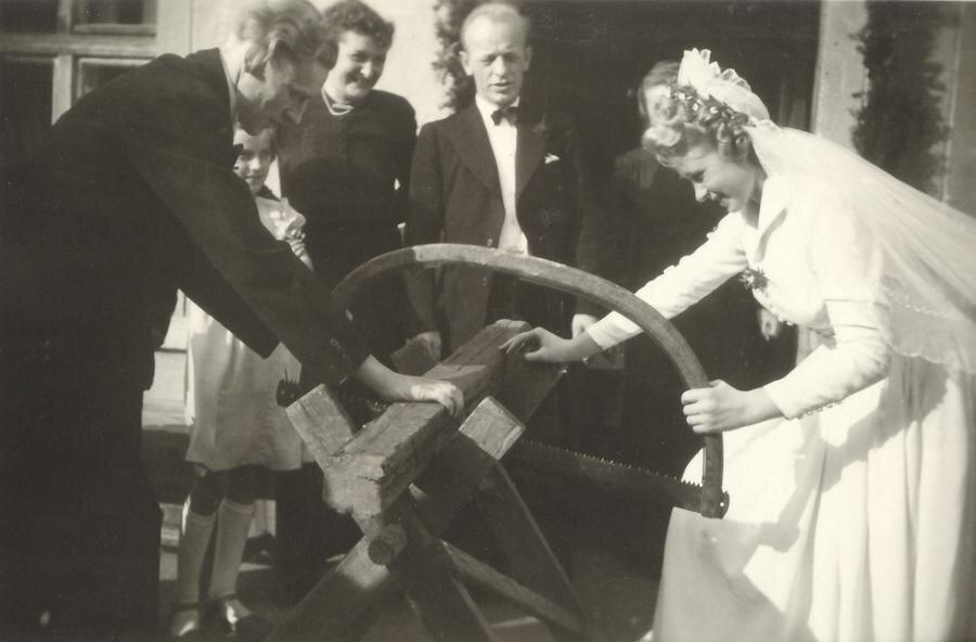 Foto: Archiv historische Alltagsfotografie | Schleierabtanzen um 1950