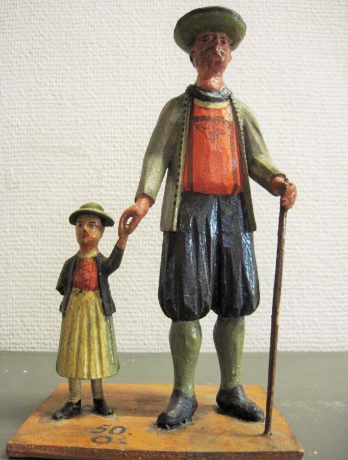 Vater und Tochter. Figurengruppe von Salzburgern in ihrer Tracht in der Kunst- und Naturalienkammer der Franckeschen Stiftungen 1732