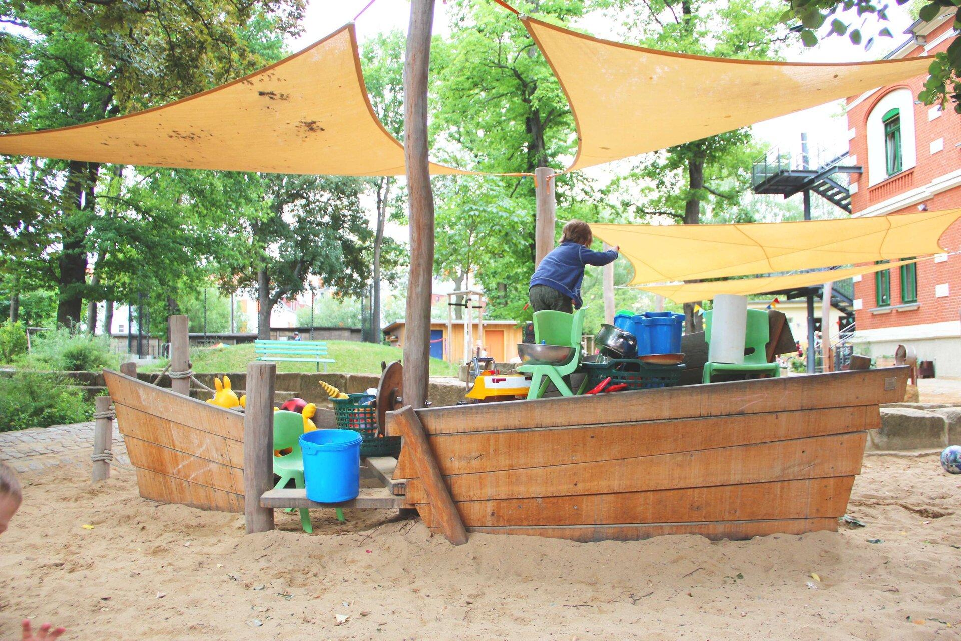 Spiel-_und_manchmal_auch_Piratenschiff