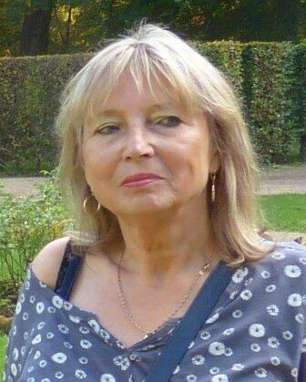 Frau Margit Klose